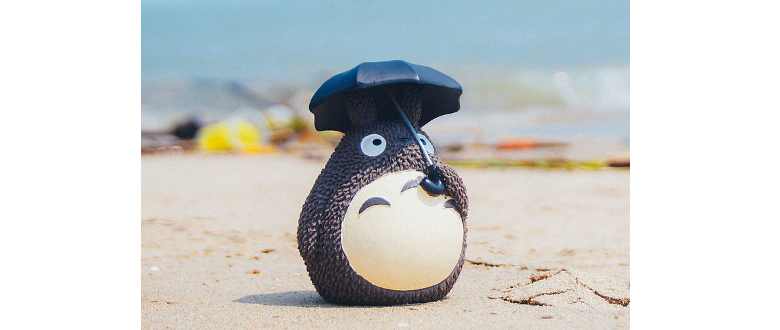 toy with sun umbrella